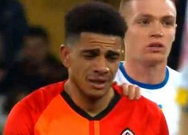 Плачущие игроки не украшают футбол - эксперт Дмитрий Торнер о расистском скандале