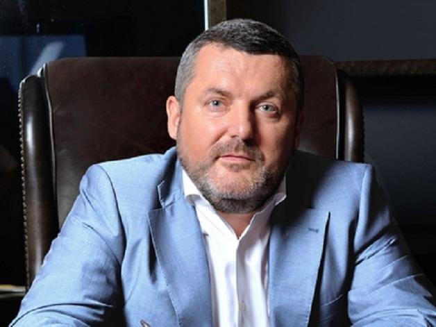 Юрий Ериняк: «этюд в багровых тонах» кисти Юры Молдавана