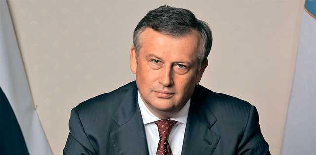 Губернатор ленинградской области Александр Дрозденко обзавелся очередными часами за миллион рублей