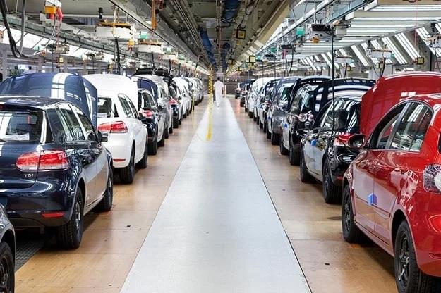Продажи авто в мире рухнули рекордно за 11 лет