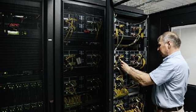 Специалистов по кибербезопасности предложили готовить со школы