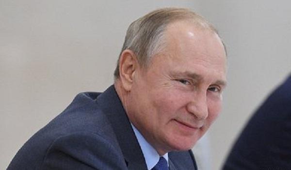 Путин объявил 2022-й годом культурного наследия народов России