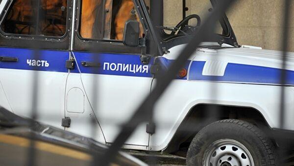 Полицейского ударили ножом в грудь в московском метро