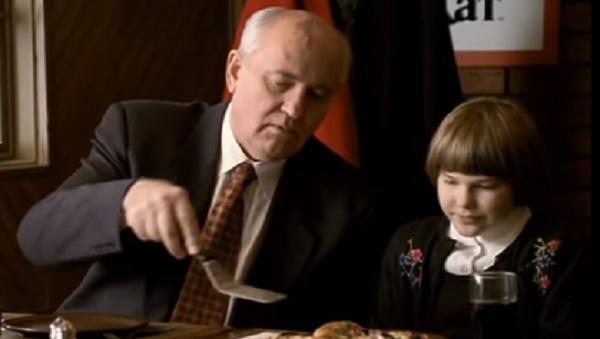 Участие Горбачева в рекламе пиццы в 1990-х объяснили