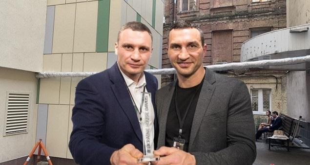 Тройное лобби: семейство Кличко не готово отказаться от здания в центре Киева