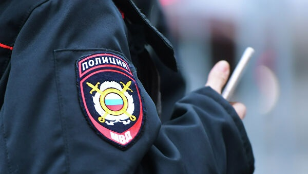 Россиянин подрифтил на городской площади и сбил женщину