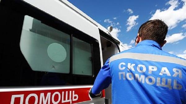 Стало известно о состоянии найденной голой на капоте машины российской девочки