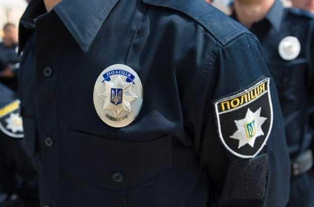 Во Львове задержанный украл оружие у полицейского, ключ от райотдела и сбежал