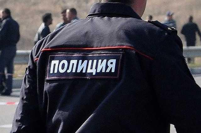 Российский полицейский залил в машину бурбон