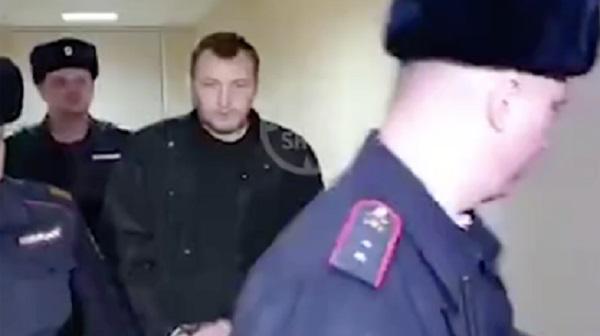 Сбившего группу школьников сына генерал-майора юстиции отправили в СИЗО