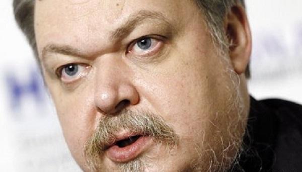 Протоиерей Чаплин оценил закрытый гроб Лужкова