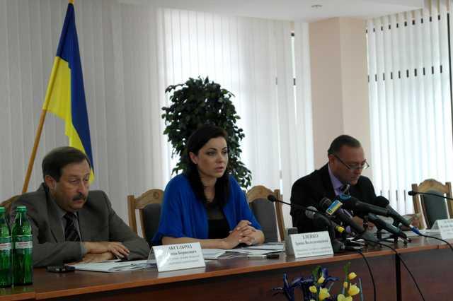 Оборотень из винницкой налоговой Ирина Зленко зачищает информацию о своей бандитской деятельности