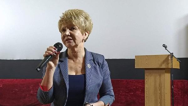В России мэр города подала в суд на отказавшегося повышать ей зарплату депутата