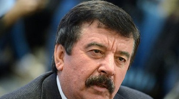 Автор Конституции вступился за принцип двух президентских сроков подряд