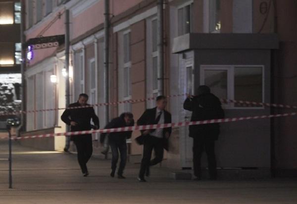 Уволены высокопоставленные сотрудники ФСБ, снимавшие стрельбу на Лубянке на мобильные телефоны