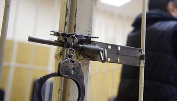 Офицеров ФСБ отправили на зону за бизнес на мигрантах