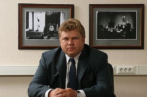 Игорь Сечин скупает по частям офшорную «империю» Сударикова и Авдеева?