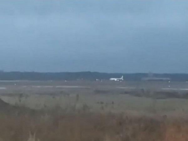 Sukhoi Superjet чуть не разбился в московском аэропорту из-за ошибки пилота: опубликовано видео инцидента