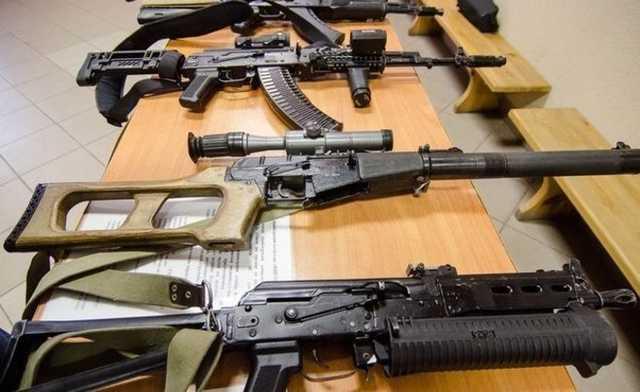 Уничтожение изъятого у россиян оружия впервые попало на видео