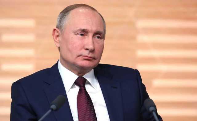Россиянин написал про «х*йло». Полиция задержала его за оскорбление Путина