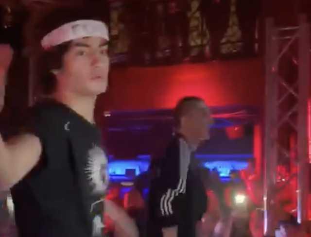 «Русские в Лондоне»: Появилось новое видео с сыном Порошенко на концерте рэпера Face