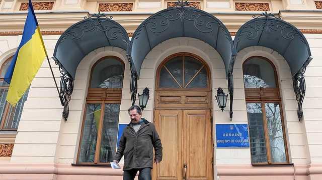 Замы скандального Бородянского получили гигантские премии за январь