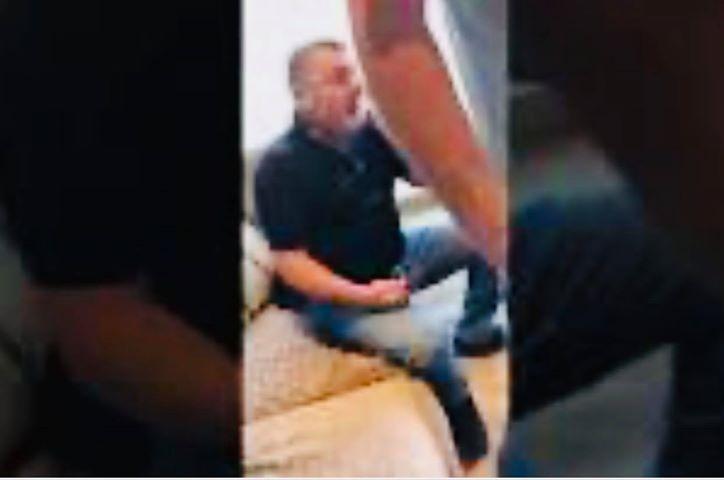 134682 1 - Бандит Юрий Ериняк, он же Юра Молдован, пытается заблокировать видео, на котором его таскают по полу израильского отеля